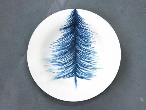 Delft blue on paper (Sapin), porcelaine