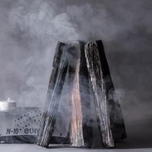 Claire Mayet, Les Bûches, 2016, céramique, machine à fumée © Head- Genève, Baptiste Coulon
